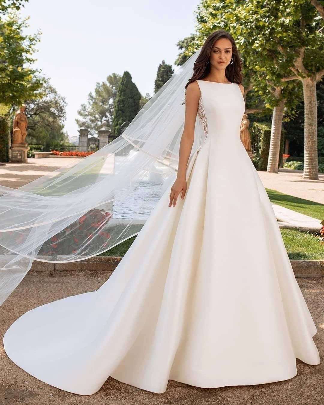 Incredible dresses! 😊 Do you like them? Please choose 1, 2, 3, 4, 5, 6, 7 or 8👇 . Dresses by @pro… in 2020   Ball gown wedding dress, Pronovias bridal, Ball gowns wedding