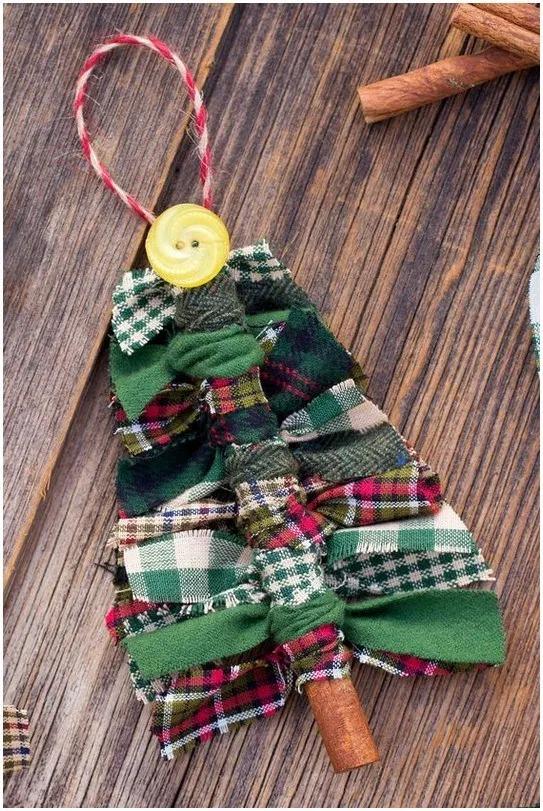 17 Handmade Christmas Ornaments Ideas