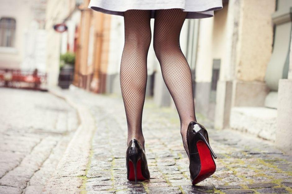 TEST HET UIT: zo leer je lopen op hoge hakken