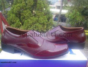 Di Sini Jual Sepatu Pantofel Tersedia Berbagai Macam Motif Kulit