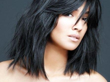 Coiffure tendance 2017 femme cheveux mi long - http://lookvisage.ru/coiffure-tendance-2017-femme-cheveux-mi-long/ #Cheveux #Beauté #tendances #conseils