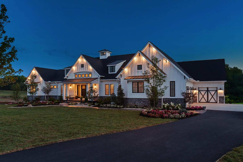 Luxurious urban farmhouse in Ohio offers delightfu
