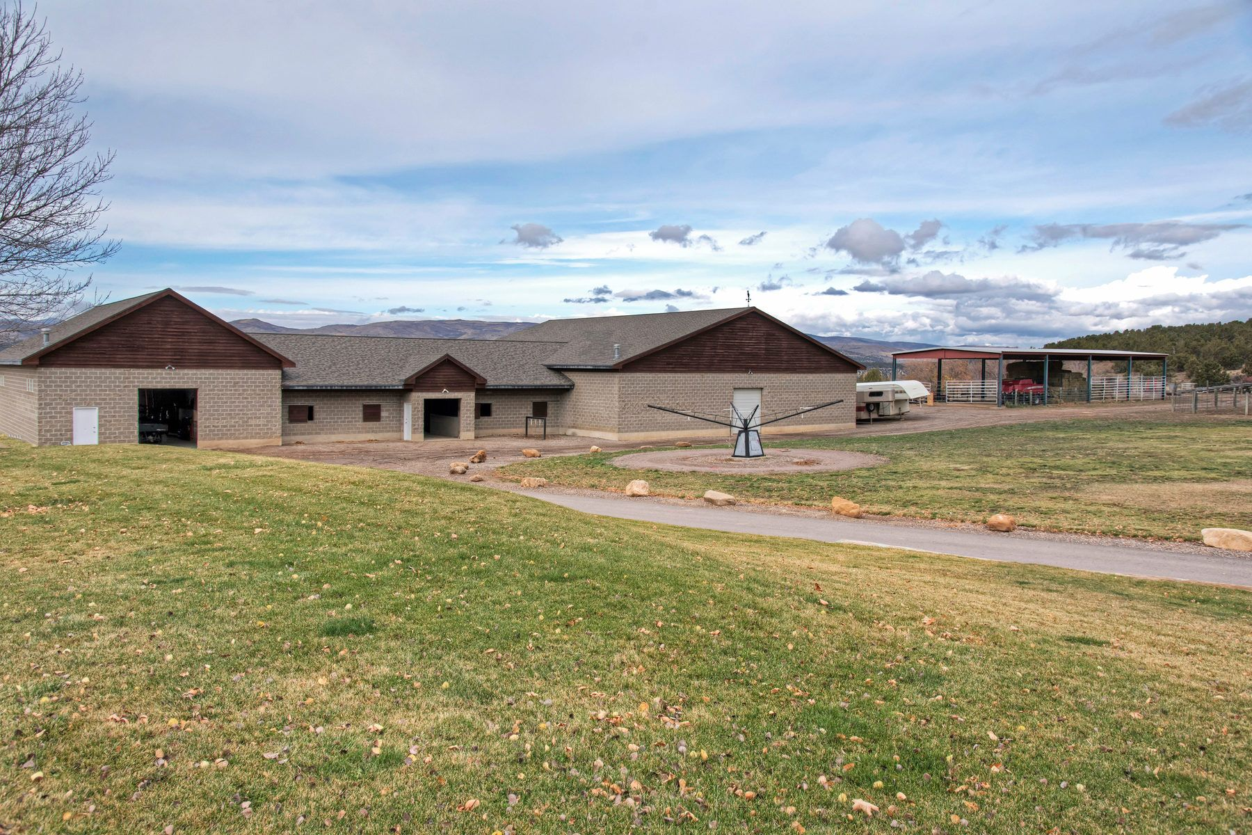 the wing ranch in east fairview utah horse barn ranch