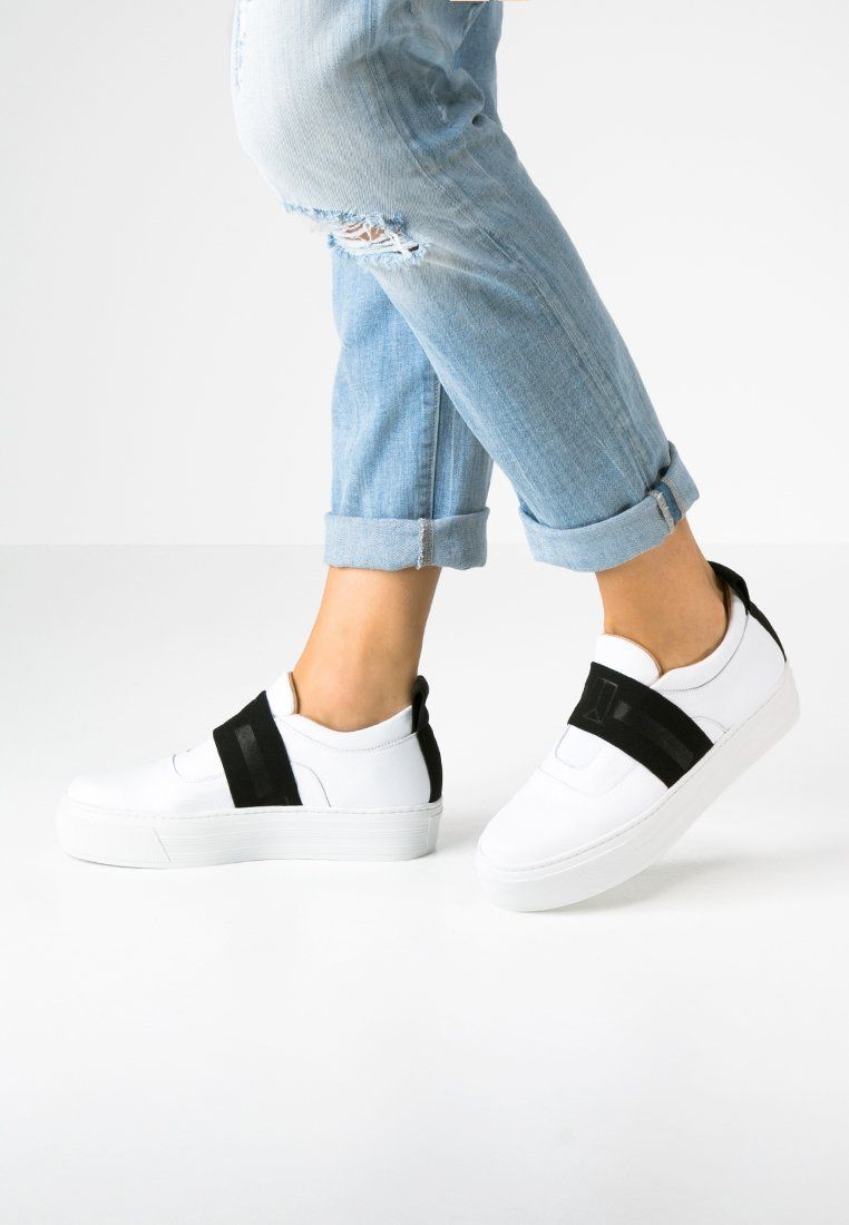 ea05e01af41d00 Sneakers laag Won Hundred RANDY - Instappers - white wit: € 234,95 Bij  Zalando (op 1-3-16). Gratis bezorging & retournering, snelle levering en  veilig ...