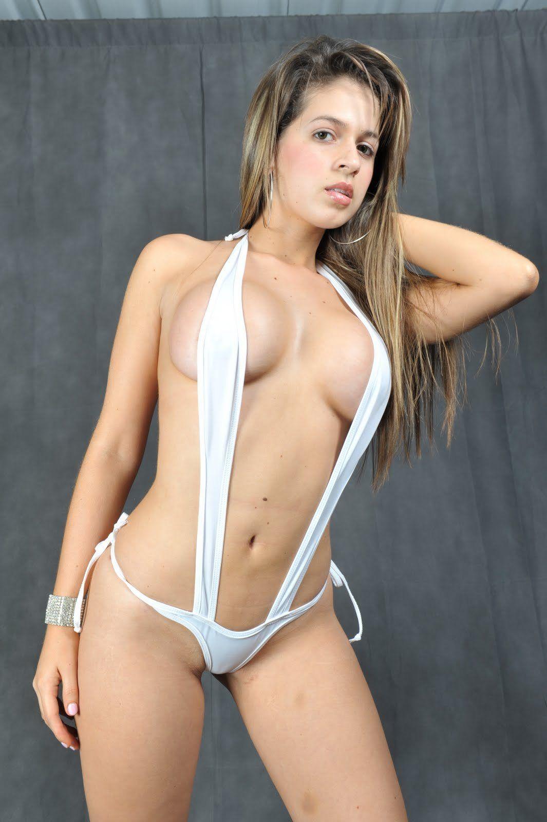 Saray desnuda ropa interior foto 86