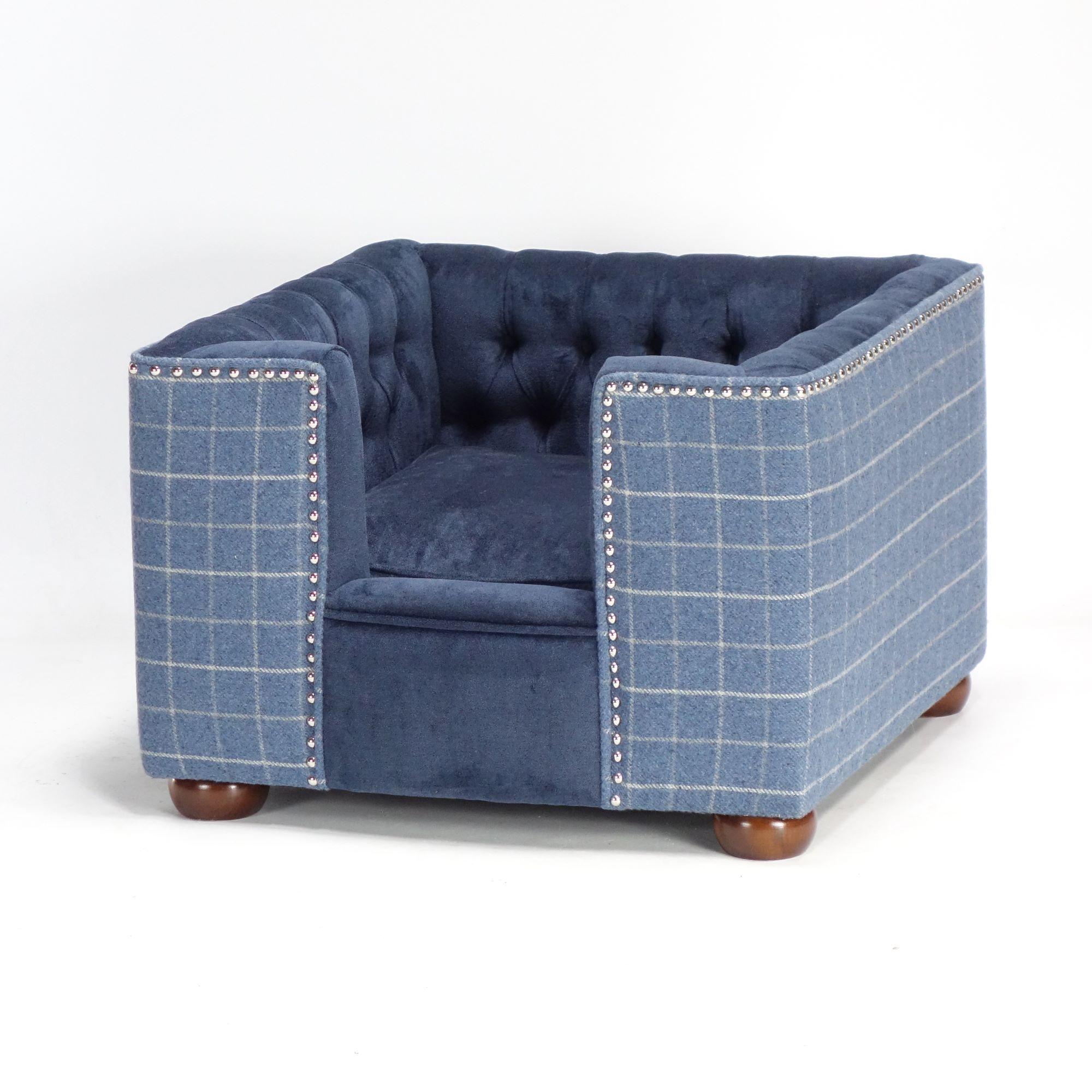 Stylish handmade dog bed chesterfield sofa Hampton pet bed