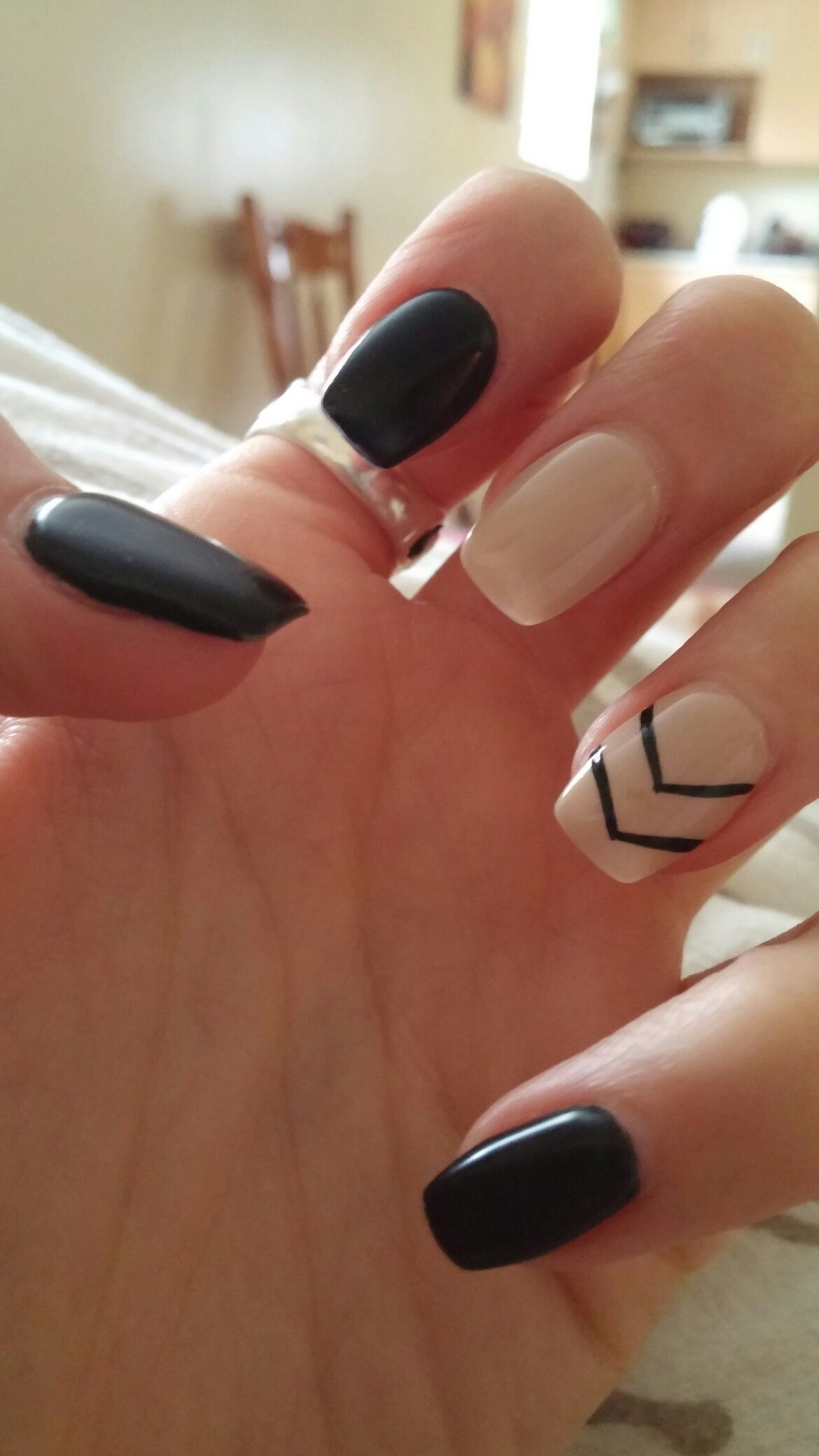 My Current Nails Black And Beige Chevron Coffin Nails Nails Nailsonfleek Blacknails Chevronnails Acrylicna Stylish Nails Fall Nail Designs Beige Nails