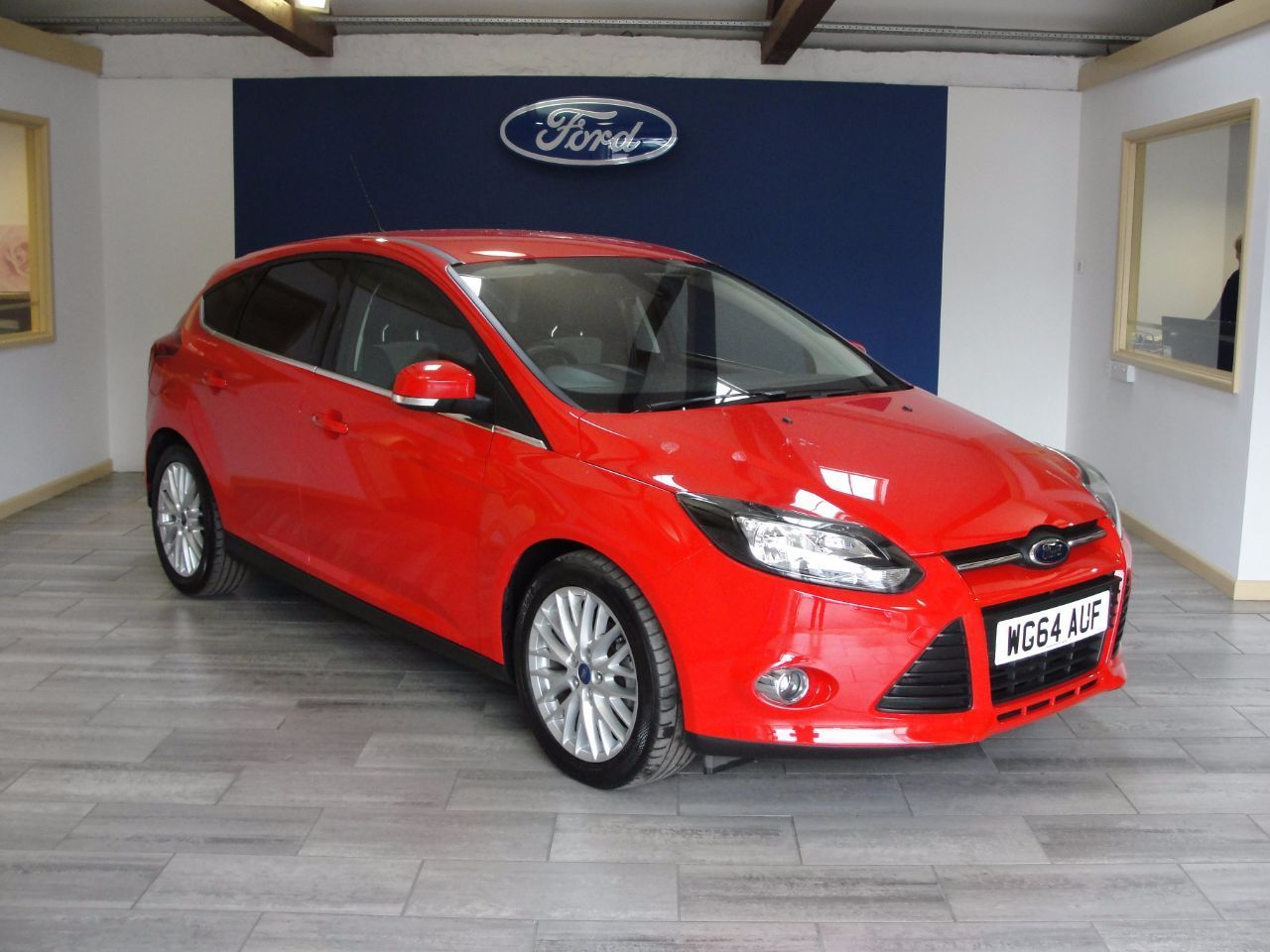 Second hand Ford Focus EcoBoost Zetec Navigator for sale in Newton Abbot Devon & Ford Focus 1.0 EcoBoost Zetec Navigator 5dr Hatchback Petrol Red ... markmcfarlin.com
