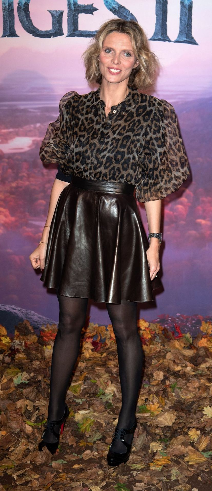 Epingle Sur Sexy Leather Skirt