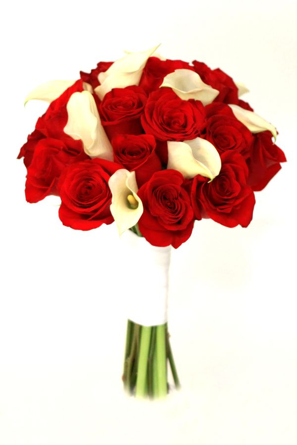Red roses and white callas.   www.littlechurchlv,com