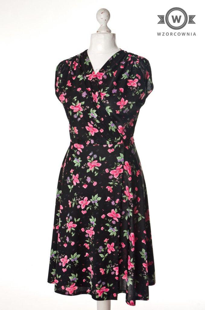 Sukienki Z Czasow Ii Wojny Szukaj W Google Fashion Dresses For Work Dresses