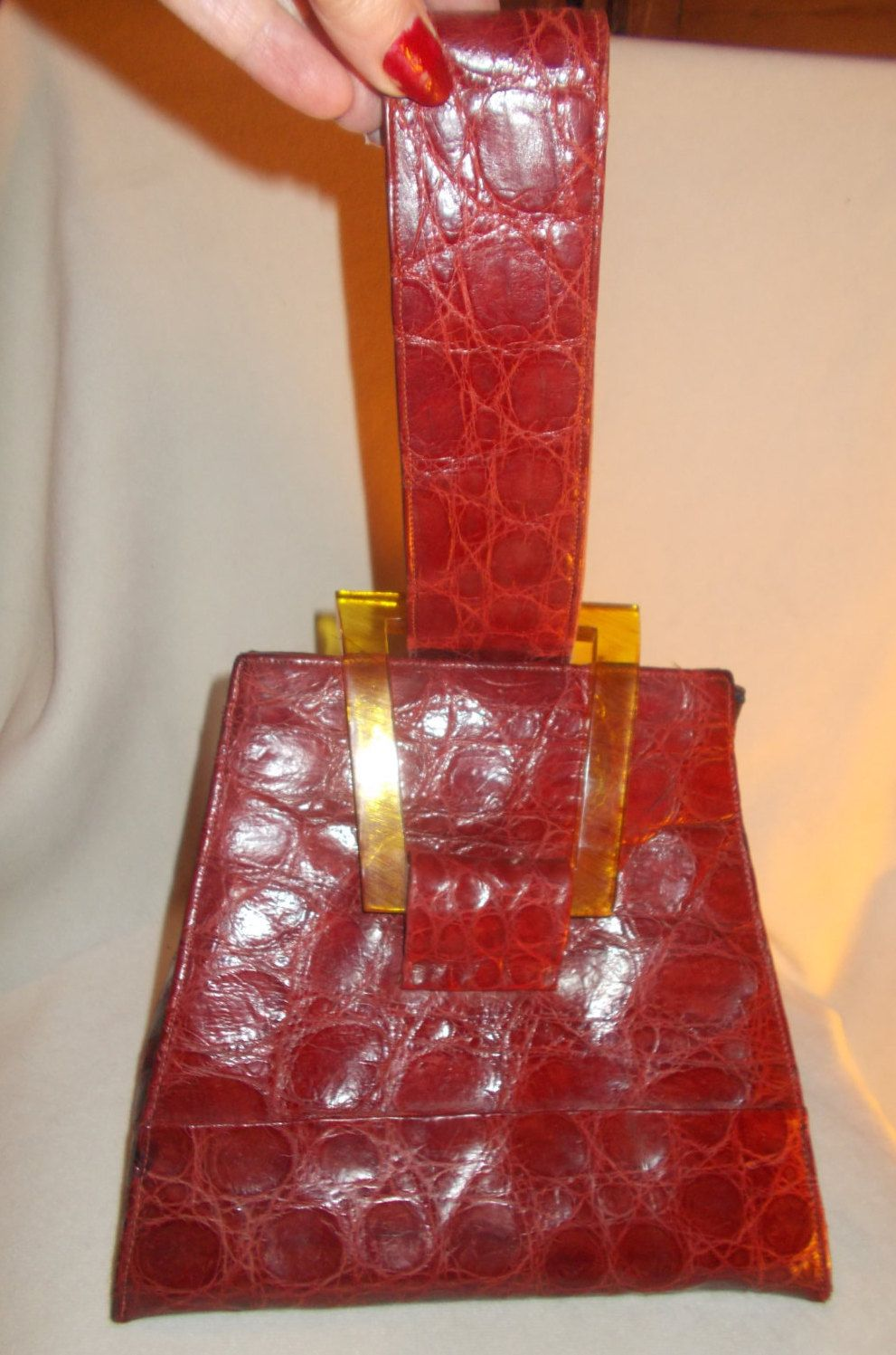 1bee75345f93 Beautiful art deco red crocodile vintage handbag with a apple juice  bakelite frame clasp in super condition by VintageHandbagDreams on Etsy