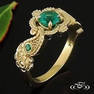 18KT YELLOW GOLD EAST INDIAN INSPIRED EMERALD ENGAGEMENT RING WITH