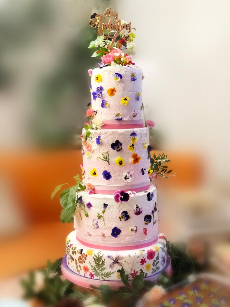 Edible flowers cake art edible flowers cake