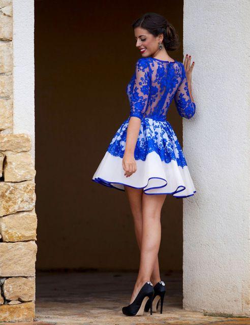 Vestido de festa azul no joelho