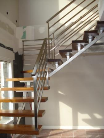 Escalera de interior escalera interior escalera para for Escaleras interiores de hierro