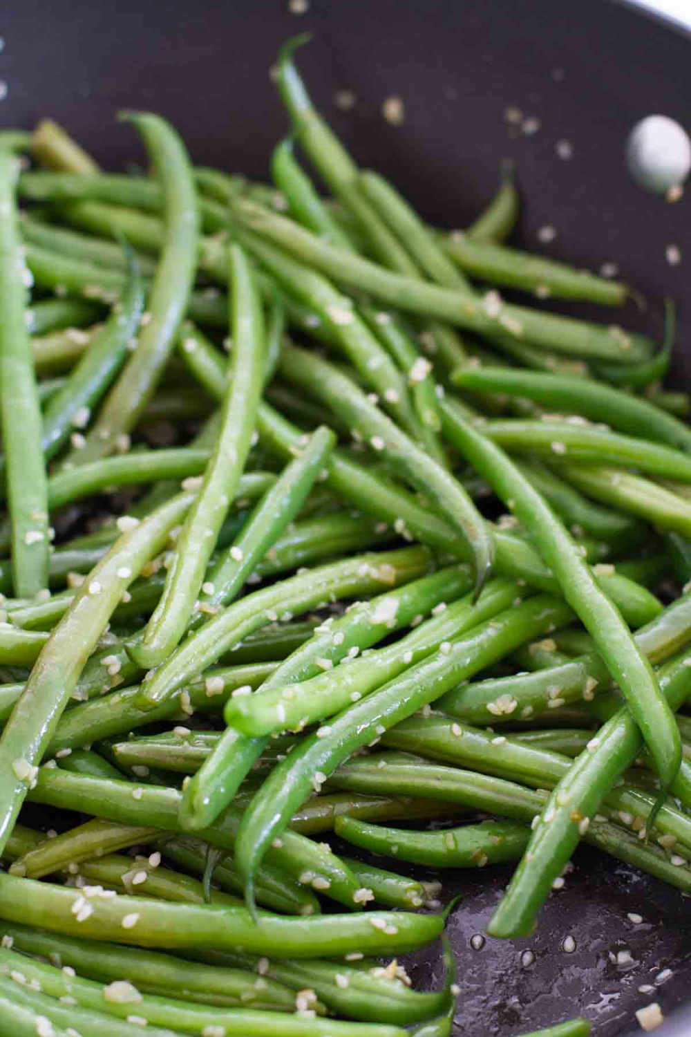 Easy And Fast Sesame Green Beans Recipe Taste And Tell Recipe Sesame Green Beans Green Beans Healthy Side Dishes