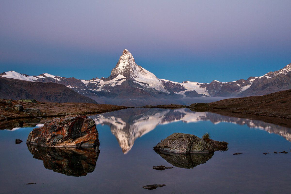 Lake Stellisee in front of Matterhorn, Swiss Alps | Great Photos 2 ...