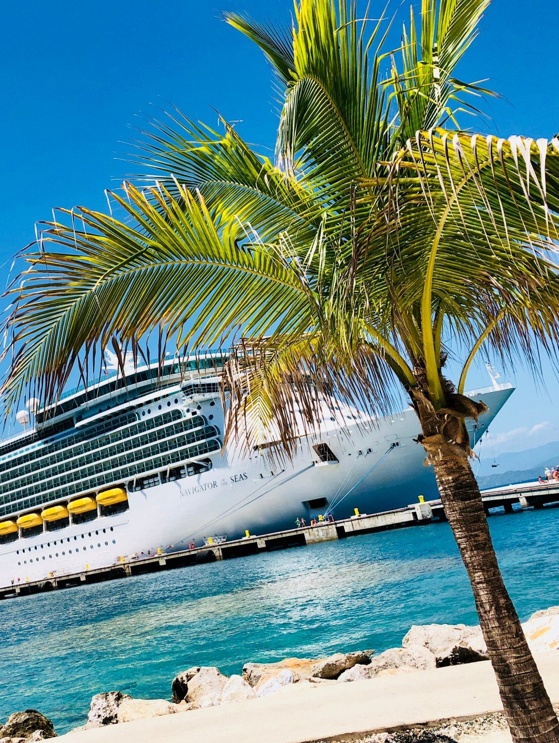 Navigator Of The Seas Catch Broadway Style Entertainment Dabble