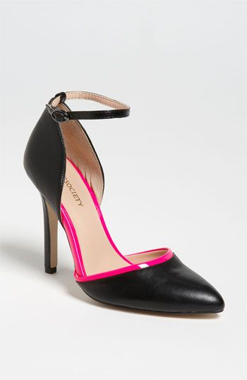 eea3771f519 Sole Society  Francesca  Pump available at  Nordstrom
