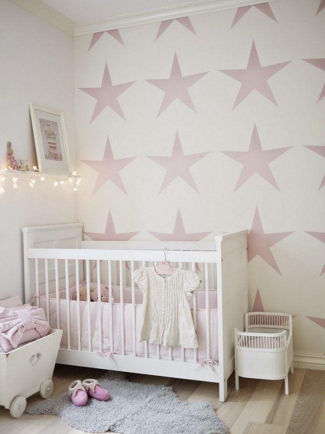 wand-streichen-muster-ideen-babyzimmer-rosa-sterne-weisser - wand rosa streichen ideen