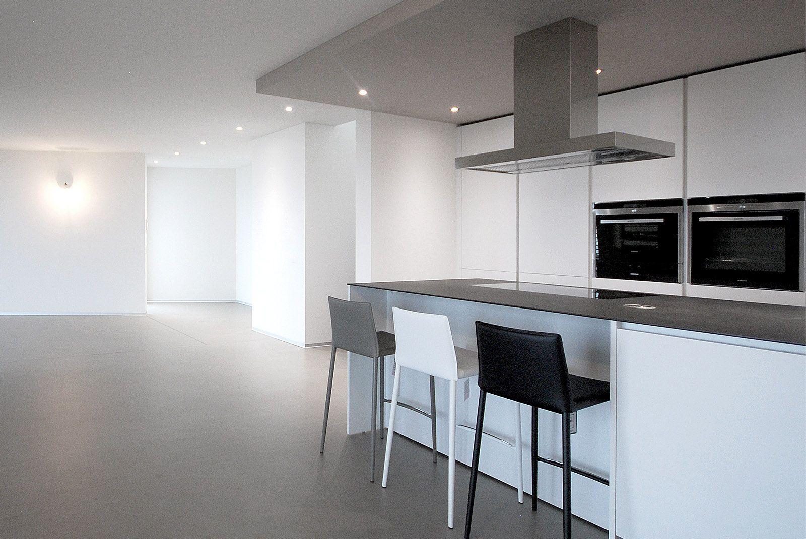 Progetto cucina varenna poliform cucina moderna di design laccata opaca con piano in ceramica - Cucina moderna design ...