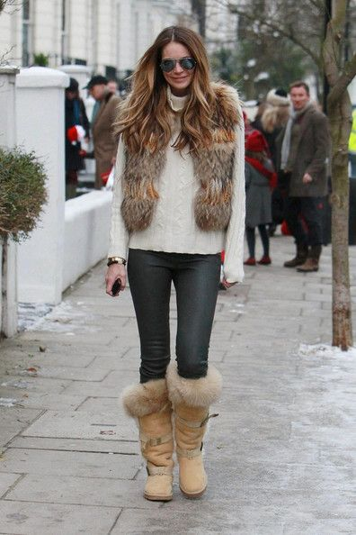 Ha, this is what I'd do - wear my Uggs with everything :)