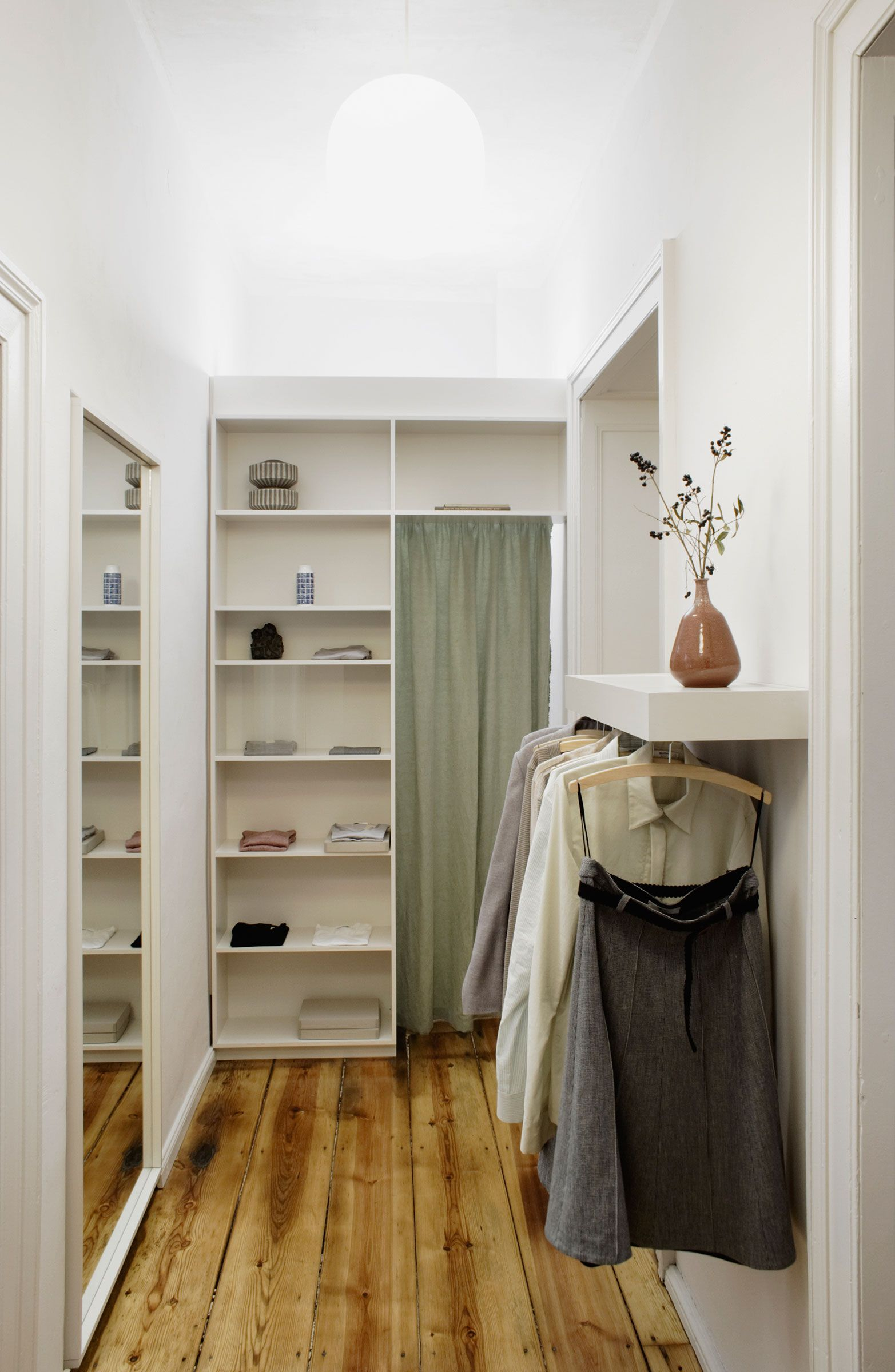 Corridor Wardrobe Under Shelf Ilke Penzlien Billy Regal Vorhang