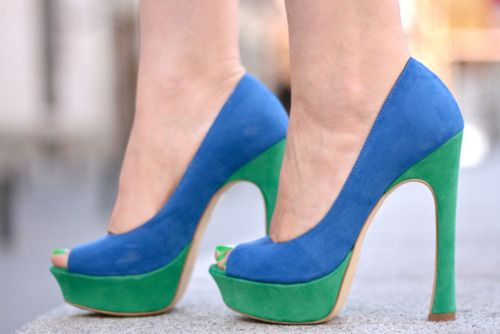 love the colour blocking and the shape of the heel!