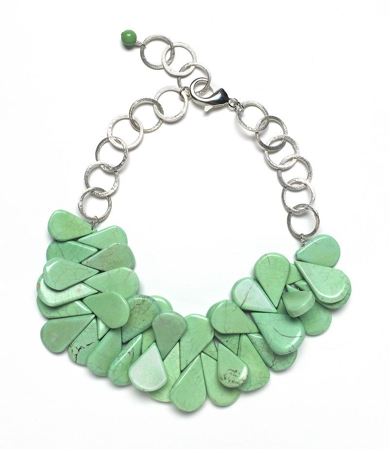 Tear stone necklace you can make yourself. Wonder if I could make this w/ coral for my Daughters wedding?