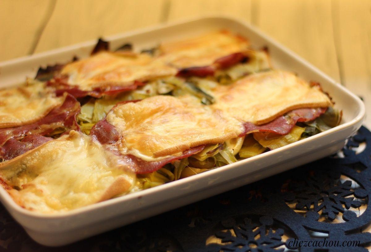 Gratin de pommes de terre aux poireaux, coppa et fromage à raclette