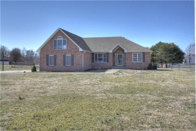 4147 Meadow View Cir, Pleasant View, TN 37146. 3 bed, 2 bath, $174,947. Amazing price in wes...