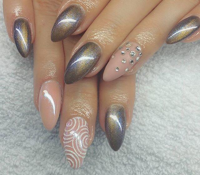 #nailart #naildesign #nails #beautifulnails #lovelynails # ...