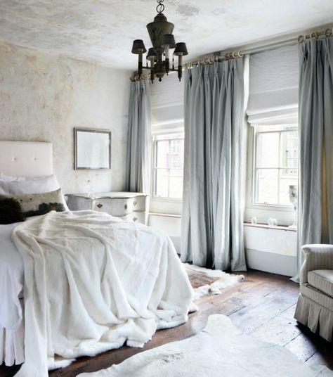 gardinen schlafzimmer weiße bettwaren und hellblaue