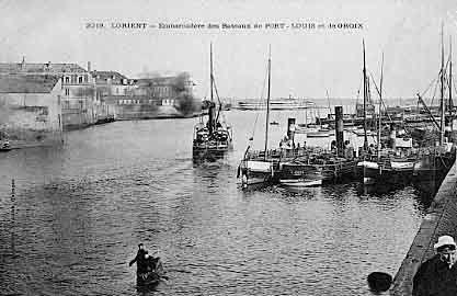 Bretagne ~ Embarcadère des Bateaux de Port-Louis