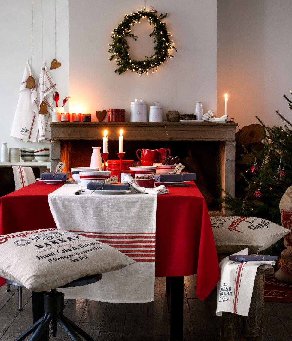 Christmas Dining H M Us Skandinavischer Weihnachtsschmuck Gemutliche Weihnachten Weihnachtstischgedecke