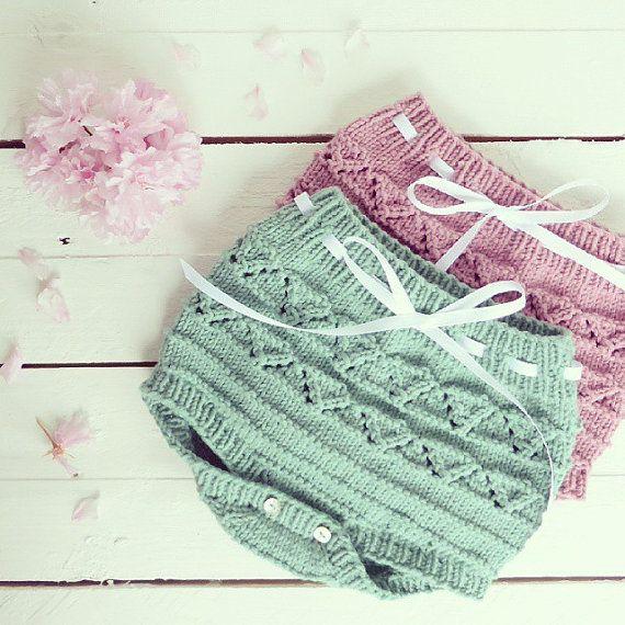 Tapa fraldas em tricot para bebé by pontinhosmeus on Etsy | In my ...