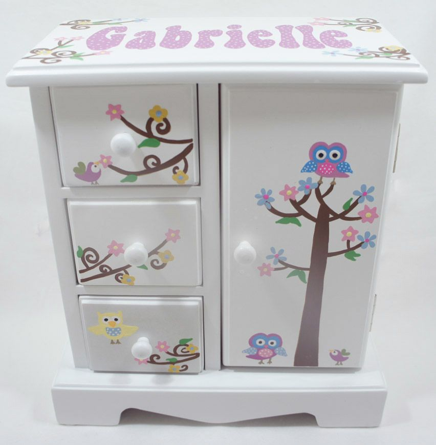 Personalized musical jewelry boxes for girls to store and decor