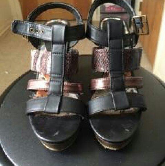 Cute animal print sandals Very comfortable animal print sandals Madden Girl Shoes Sandals