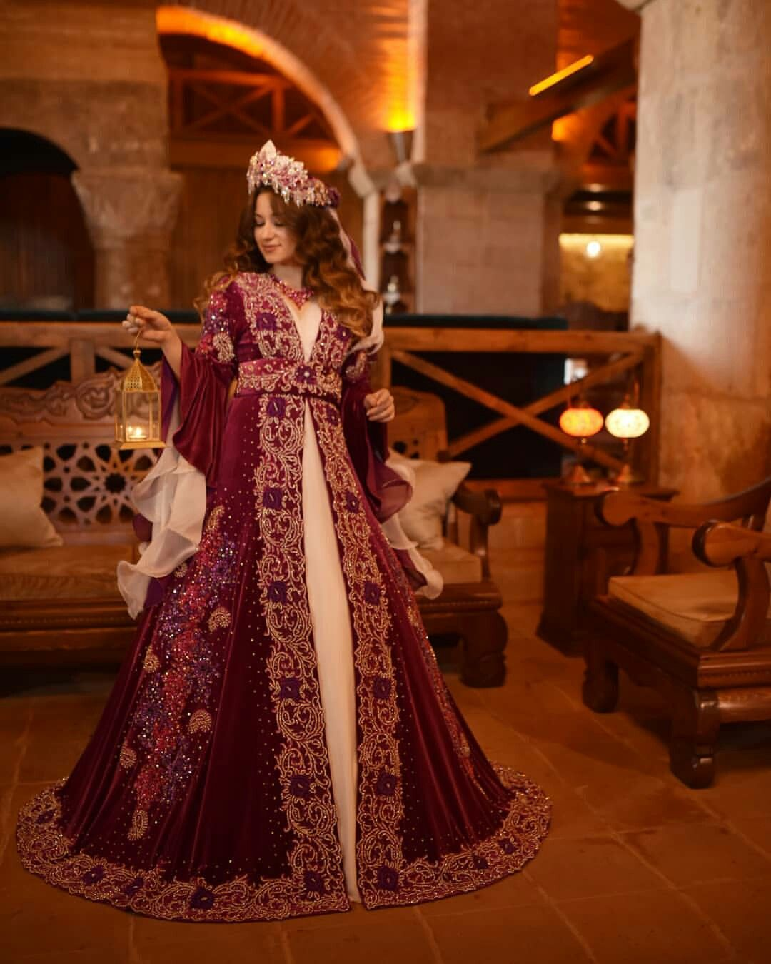 Toyucun Az Adli Kullanicinin Xina Paltarlari Panosundaki Pin Gelinlik Elbise Dugun