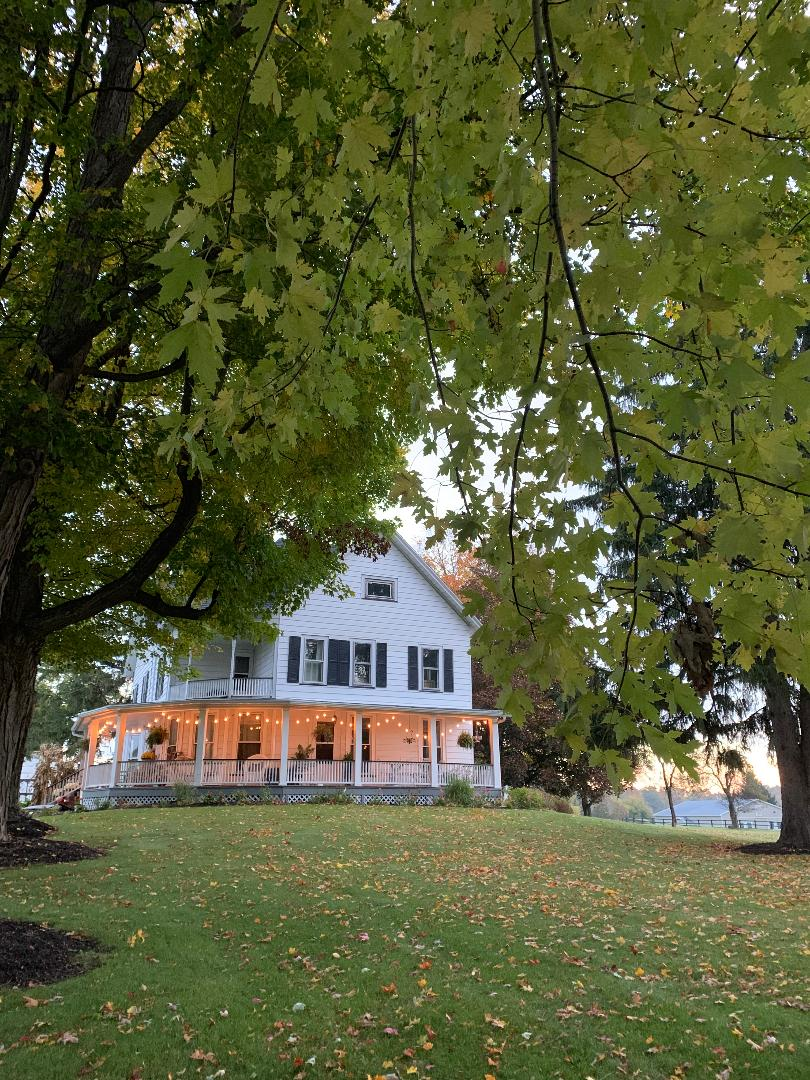 Historic Upstate NY Farmhouse Home Tour #historichomes