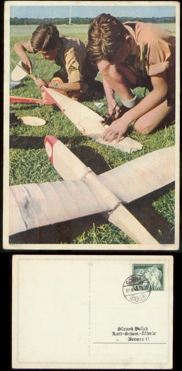 Propaganda - HJ Postkarte , farbig : Hitlerjungen bauen Segelflugzeuge, gebraucht Gornau 1943