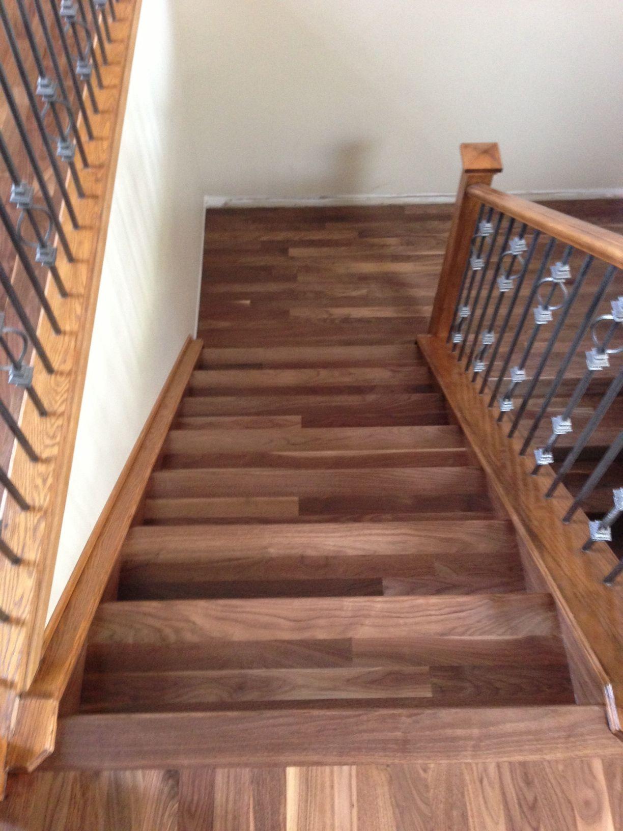 Best Finished Walnut Hardwood Stairs Hardwood Floors By Smith 400 x 300
