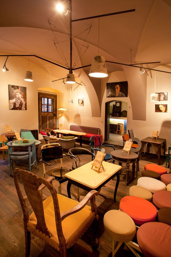 Eclectic Coffee Shop Design In The Heart Of Transylvania Colaj