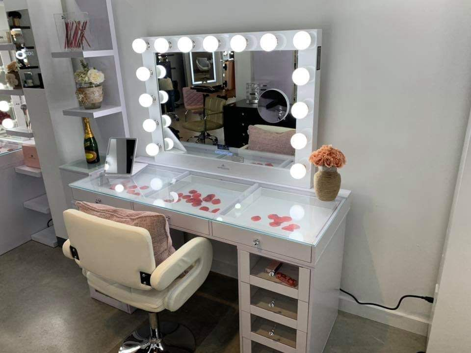 Star Furniture Image By La Bella Sposa On Great Closets Vanities