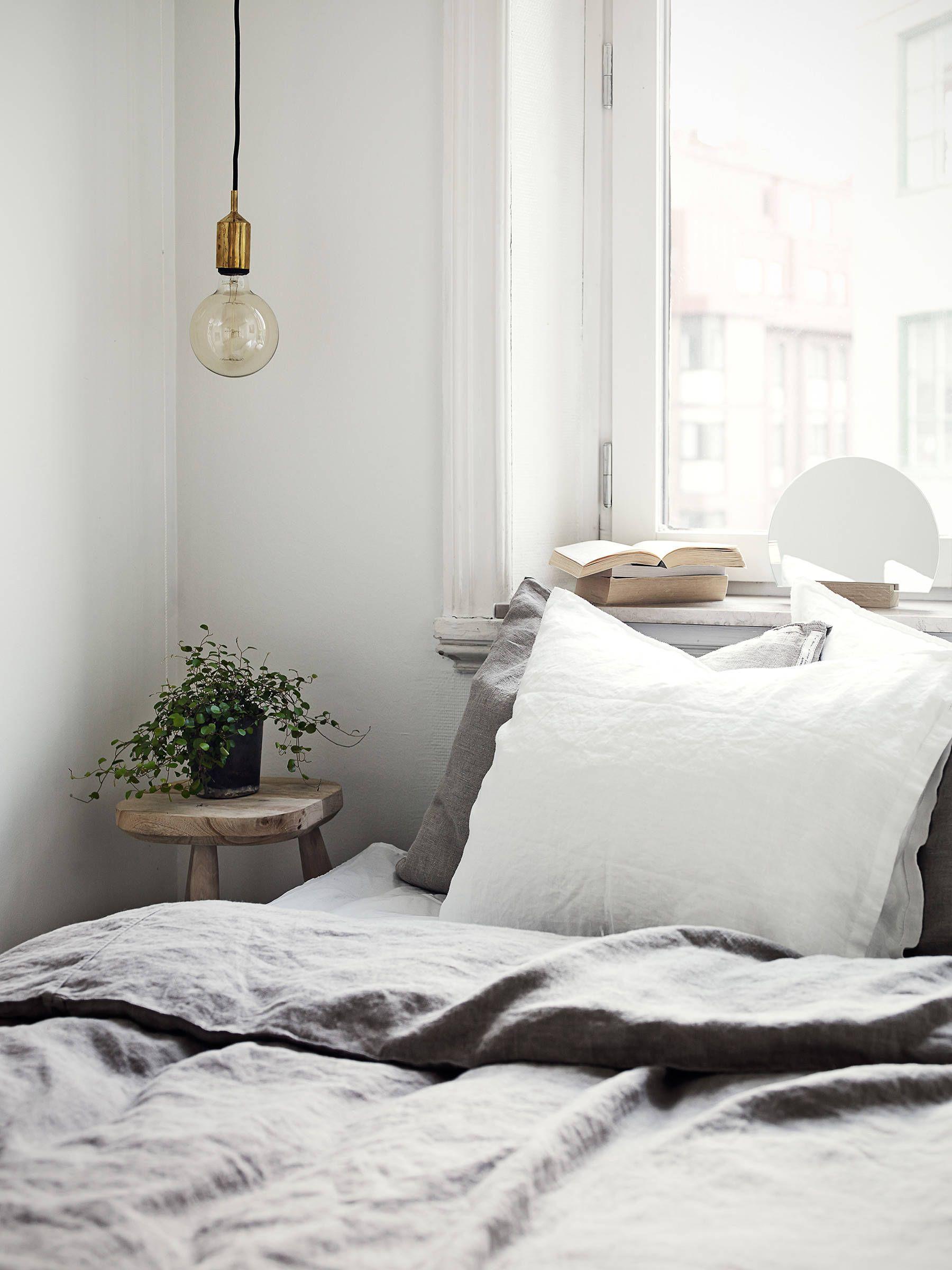 hangende lampen natuurslaapkamer scandinavische slaapkamer slaapkamer slaapkamerdecoratie inrichting kamer garderobe