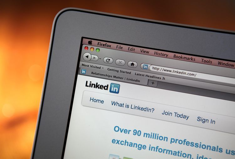 How to create a personalized linkedin profile url