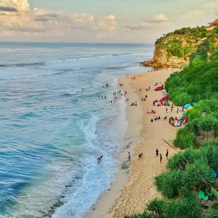 Pantai Sanglen Di 2020 Pantai Pegunungan Gelombang Laut
