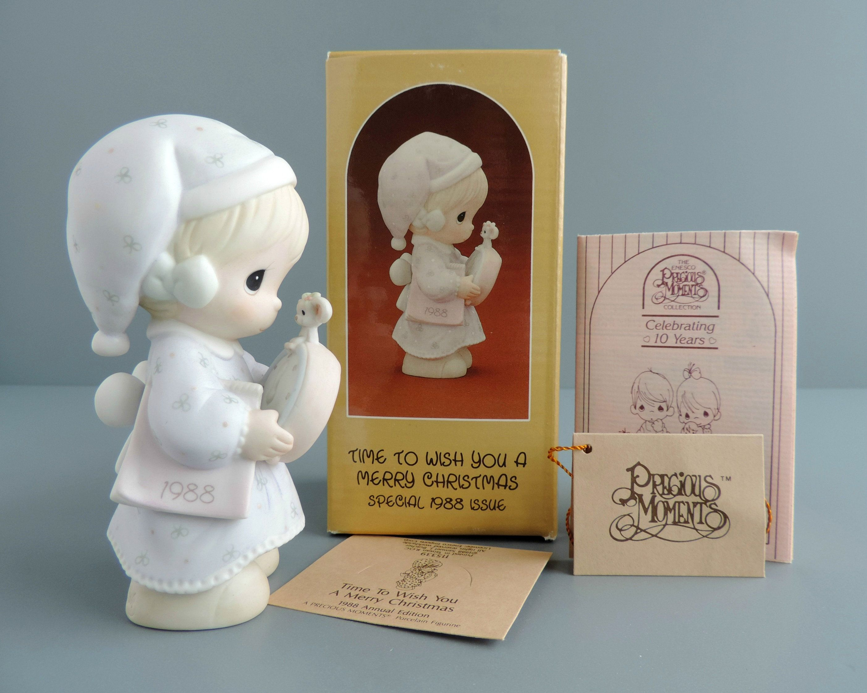 Vintage Precious Moments Time To Wish You A Merry Christmas Figurine 115339 Girl Mouse Clock Dated Precious Moments Christmas Figurines Christmas Girl