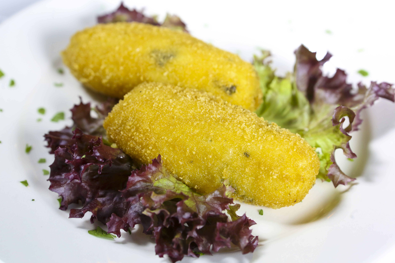 Croquetas de patata ahumada y queso #tapas #restaurante #cocinaitaliana #Madrid
